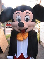 MICKEY MOUSE Impersonation (voice and outfit)