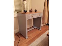 Antique Oak Hall / Console/bedroom table – Beautifully finished – Antique Oak and Welsh stone finish