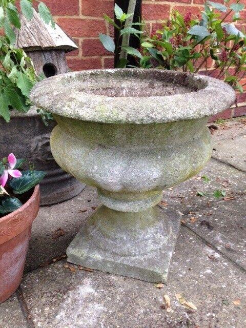 Garden Cast Stone Urn / Planter