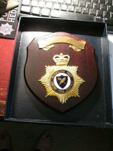METROPOLITAN POLICE COMPANY FRAUD DEPARTMENT SHIELD IN PRESANATION BOX