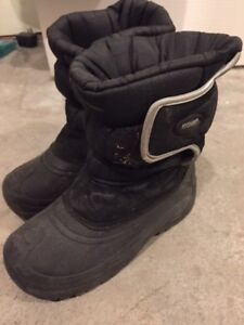 Boys Winter Boots – Size 3 $15