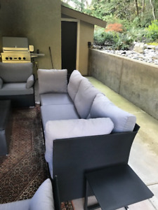 Mountain House Outdoor Couch/4 Chairs/Ottoman