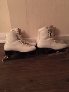 Skates for the Competitive Figure Skater