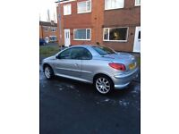 Peugeot 106 silver petrol coupe - 1587 cc - Year 2004