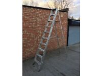 10 TREAD INDUSTRIAL ALLOY STEPLADDER - OPEN TO 8FT APPROX.