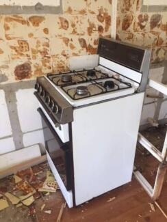 Stand alone gas stove