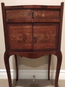 Louis XV 1930's Transitional Wood Inlay Side table