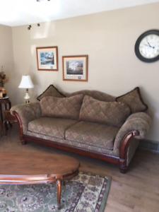 Stunning Living Room Set & French Provincial Coffee & End Tables