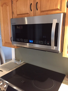 Microwave - Price Reduced