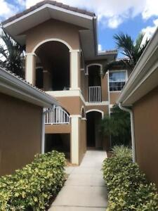 **GORGEOUS CONDO WITH LAKE VIEW** - Cape Coral, Fl (US)
