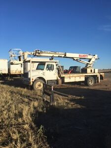 85 ft Elliot boom/bucket truck