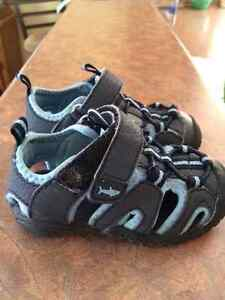 BOYS WATER SHOES/ Running shoes
