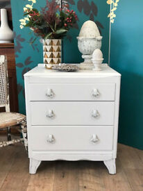 Lovely shabby chic oak chest of three drawers