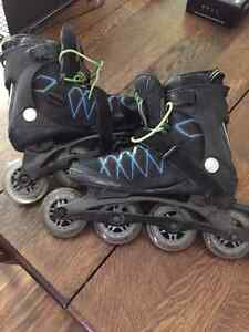 Rollerblades for sale, like new, hardly used Size 7 Boys