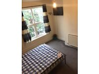 bills included/light room in shared house/no bond or admin charges
