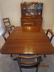 VINTAGE Dining Set:  Table, 6 Chairs & Buffet/Hutch! Now $275!