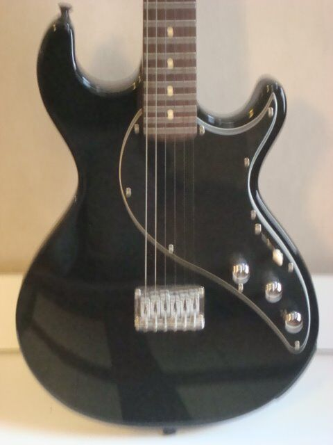 Line 6 Variax Electric Guitar as new