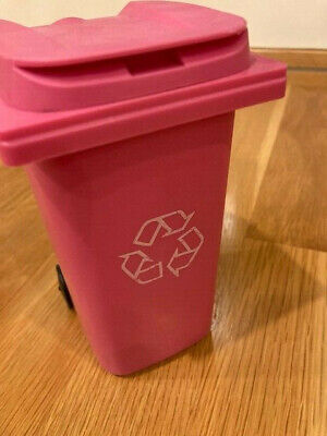 Mini Toy Trash Barrel Recycle Bin Can Desk Pencil Holder Organizer Pink New