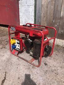 Makita petrol generator G2700K good working order £80