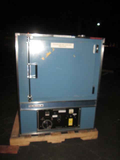 Blue M Pom 256C-1 Oven, Used
