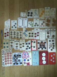 225 retro FASHION BUTTONS on cards