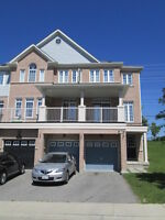 Beautiful Townhouse in Whitby!