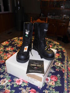 Bottes de travail, Gore-Tex, Thinsulate Taille 9,5 EEE