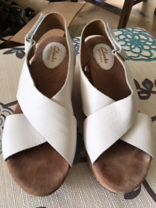 Ladies White Wedged Heal Shoes - Clarks