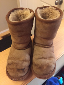 Girls tanned suede sheep skin lined boots - size 12 kids