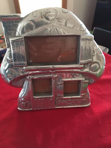 Picture frame Mushroom shaped cottage silver colored
