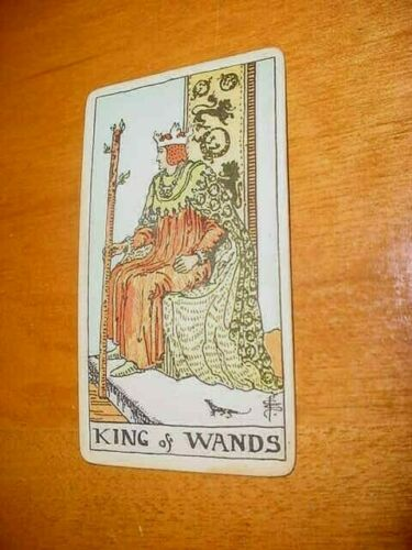 SINGLE VINTAGE TAROT CARD KING OF WANDS