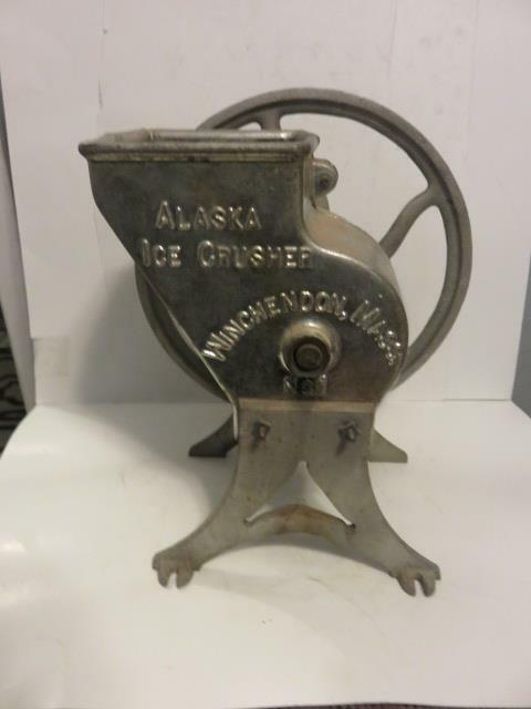 v42) Alaska #1 Cast Iron Ice Crusher Grinder Winchendon Mass Antique Steampunk