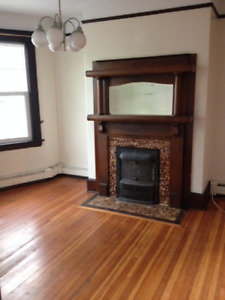Bright and Beautiful 3 Bedroom Apartment on Lawrence St.