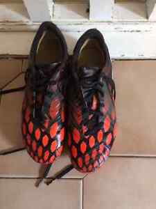 Addidas predator Soccer cleats size 5