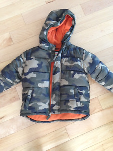 Fall coat - camo - like new - SIZE 4