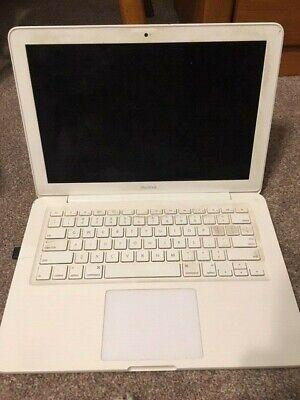 Apple MacBook 13-inch (Mid 2010)  2.4 GHz, 4GB RAM, 250GB HD