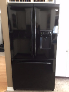 GE PROFILE -  FRENCH DOOR W/ WATER DISPENSER - BLACK