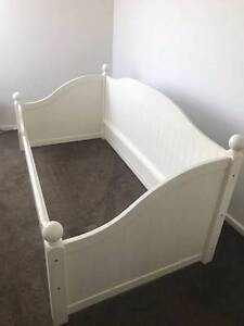 Single Day Bed Coogee Eastern Suburbs Preview