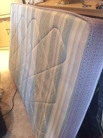 Double Divan bed of 4 feet