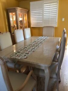 Dining room set perfect for celebrations with family & friends
