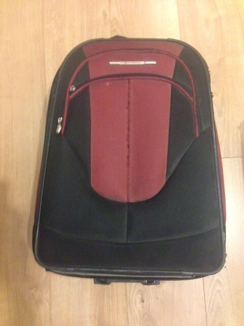 luggage small suitcase on wheels in very good condition | in ...