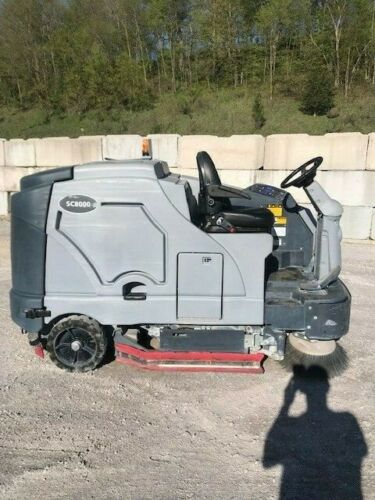 2016 Advanced SC8000 Diesel Ride On Scrubber Sweeper Dual Side Brooms