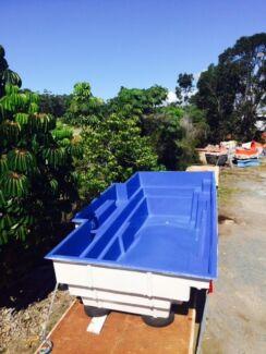 6 Mtr fibreglass swimming pool shell (6mtrs x 3.35 mtrs)