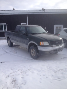 2002 Ford F-150 XLT Pickup Truck 4WD REDUCED