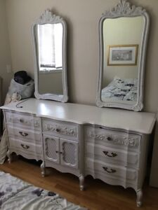 Beautiful White Bedroom Set, Gorgeous Lines and Detailing