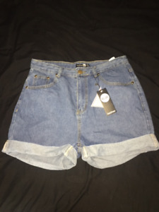 BooHoo High Waisted Mom shorts CAD size 12