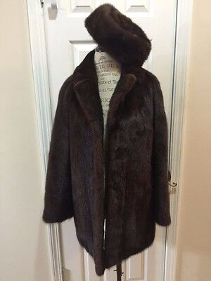 WOMEN'S SIZE X-LARGE 18 MAHOGANY MINK FUR COAT WITH MATCHING PILL BOX MINK HAT