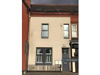 1 bedroom flat in St. Marys Road, Garston, Liverpool, L19 (1 bed) (#951395)