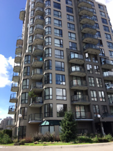 $1300 / 1br  (580ft2) Condo in the Heart of Downtown New West