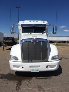 2012 Peterbilt 386, low kms, well kept maintained owner truck